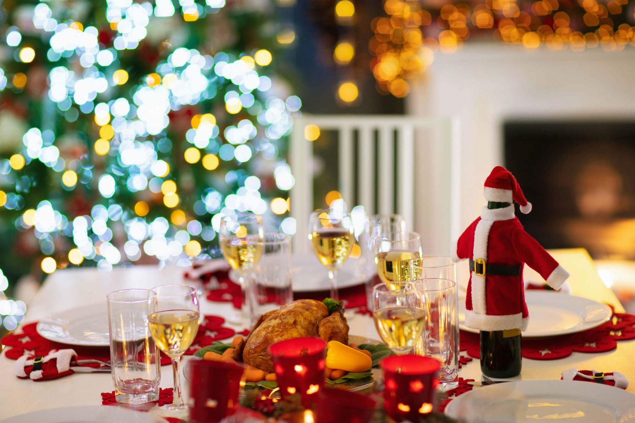 Christmas arguments - Christmas table ready for lunch