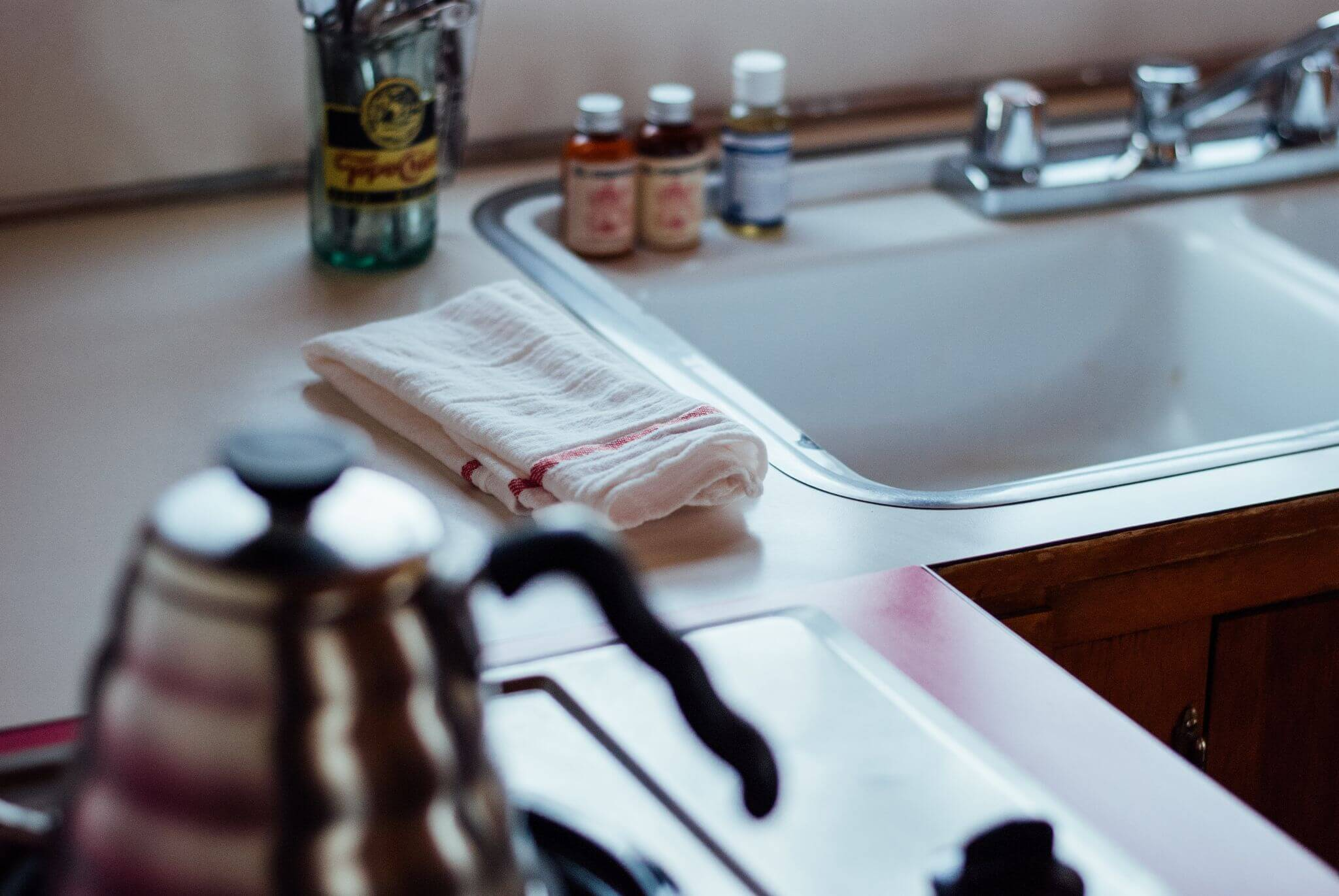 get your home ready for autumn - sparkling kitchen sink