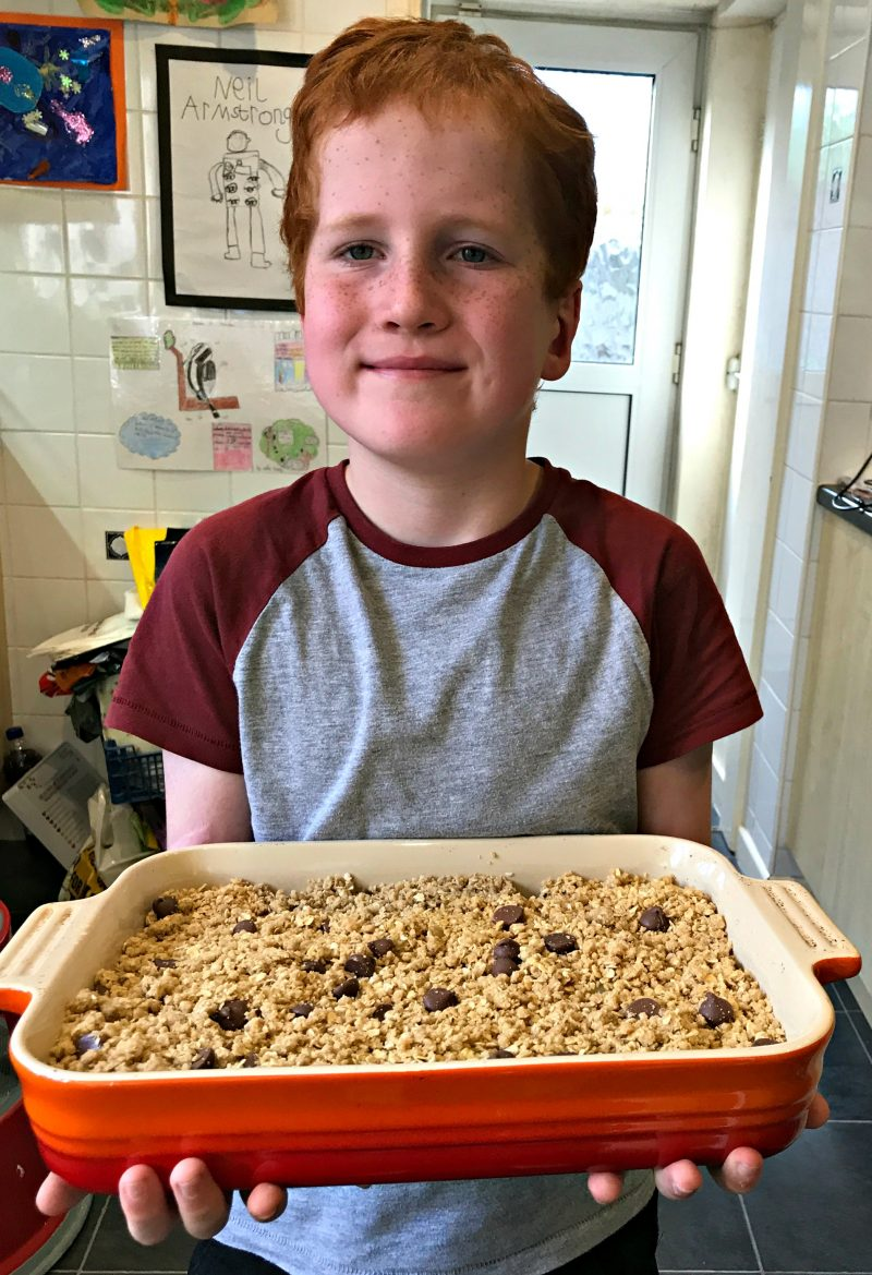 Harvest Oaty Chocolatey Apple Crumble