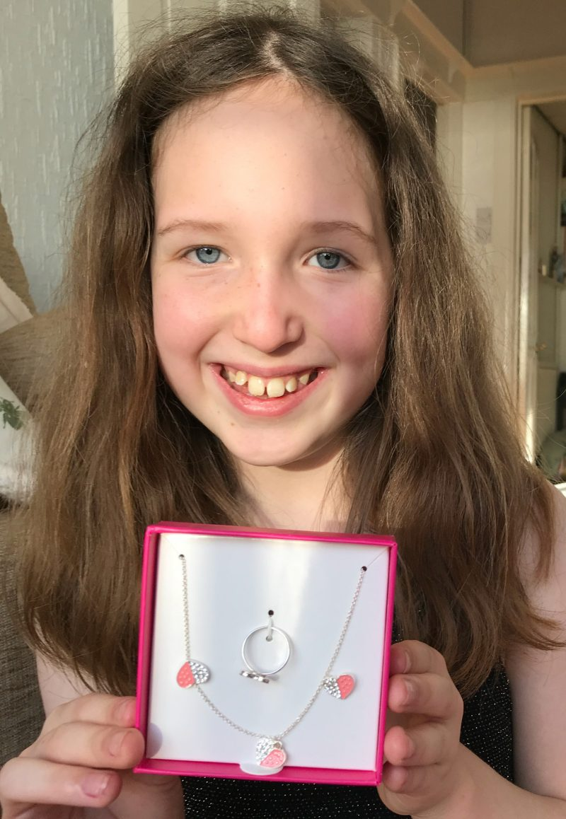 Smiggle Smile Hearts Jewellery Box Set