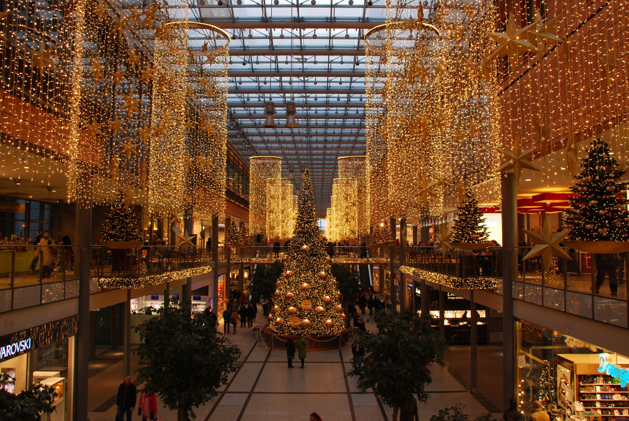 save cash for Christmas - beautiful lit shopping mall at Christmas