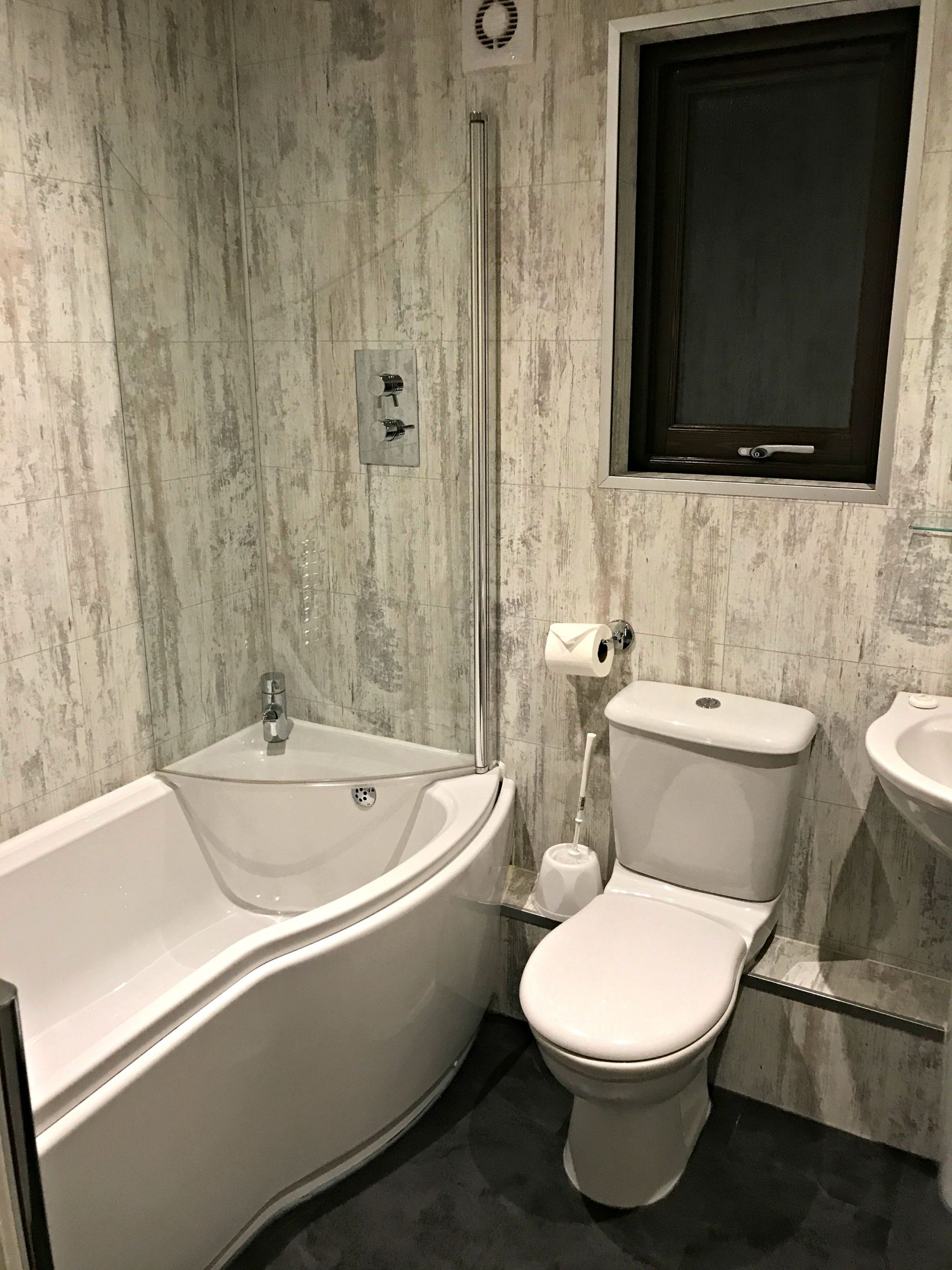 Bluestone Gateholm Lodge Ensuite Bathroom