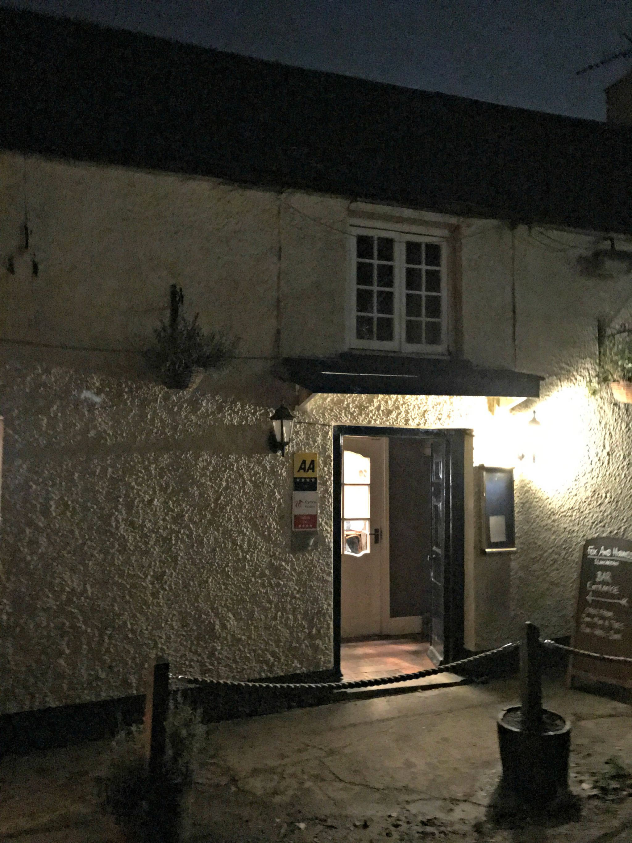 An Evening At The Fox & Hounds Country Inn, Llancarfan