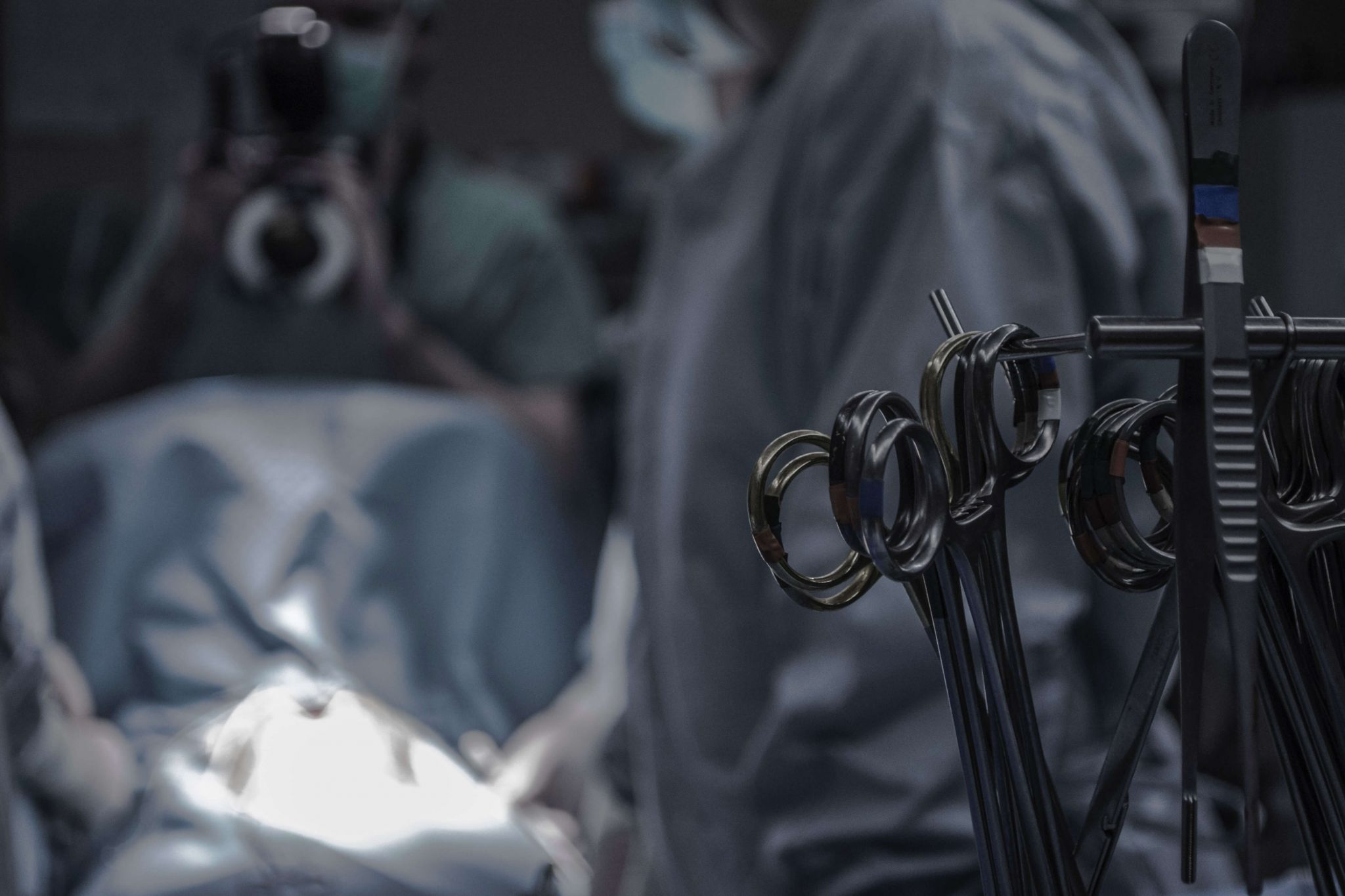 Never Events: surgeons operating in theatre