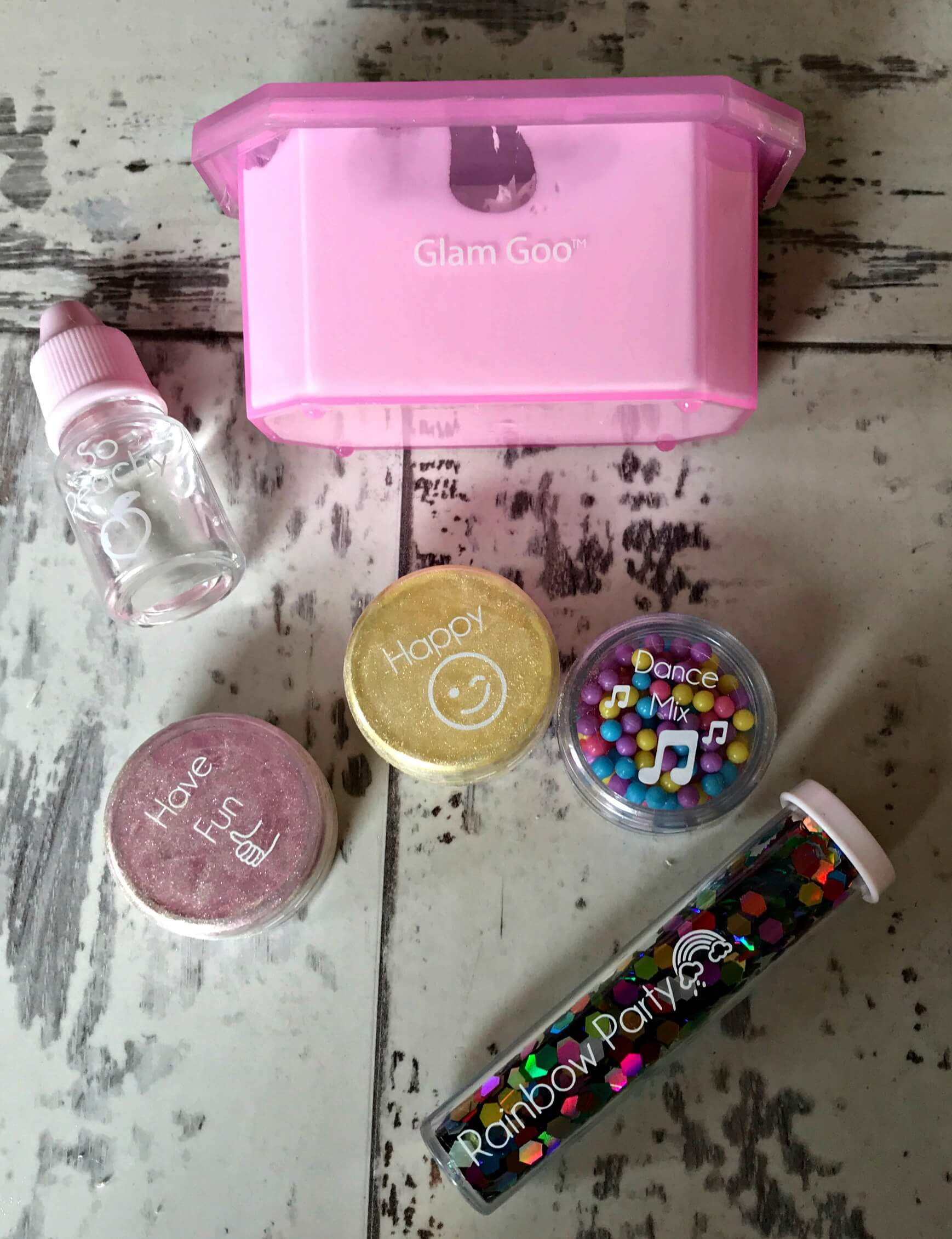 Glam Goo Slime & Accessory Confetti Pack - contents of box
