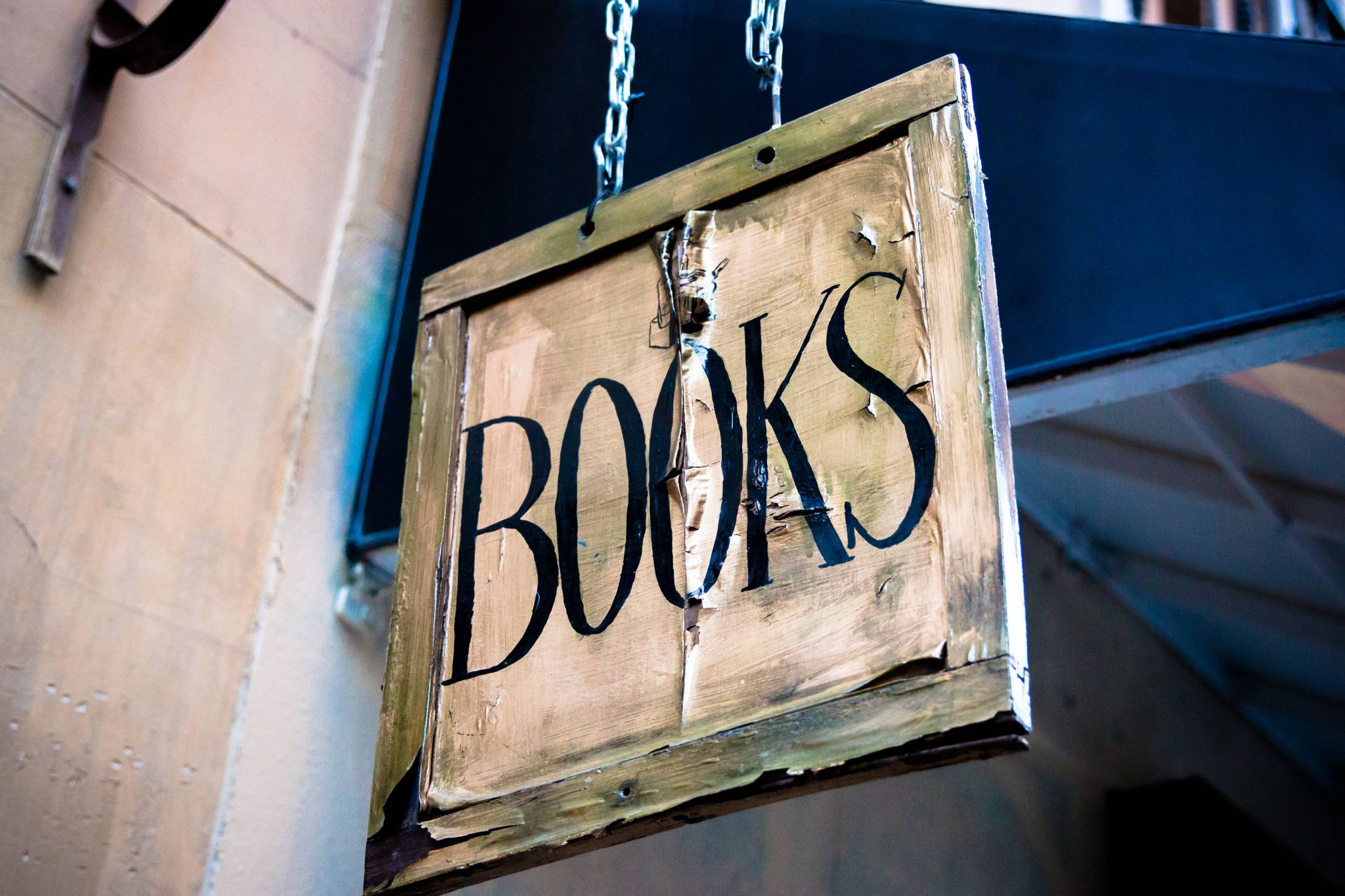"free and bargain books - sign outside a bookshop reading ""books"""