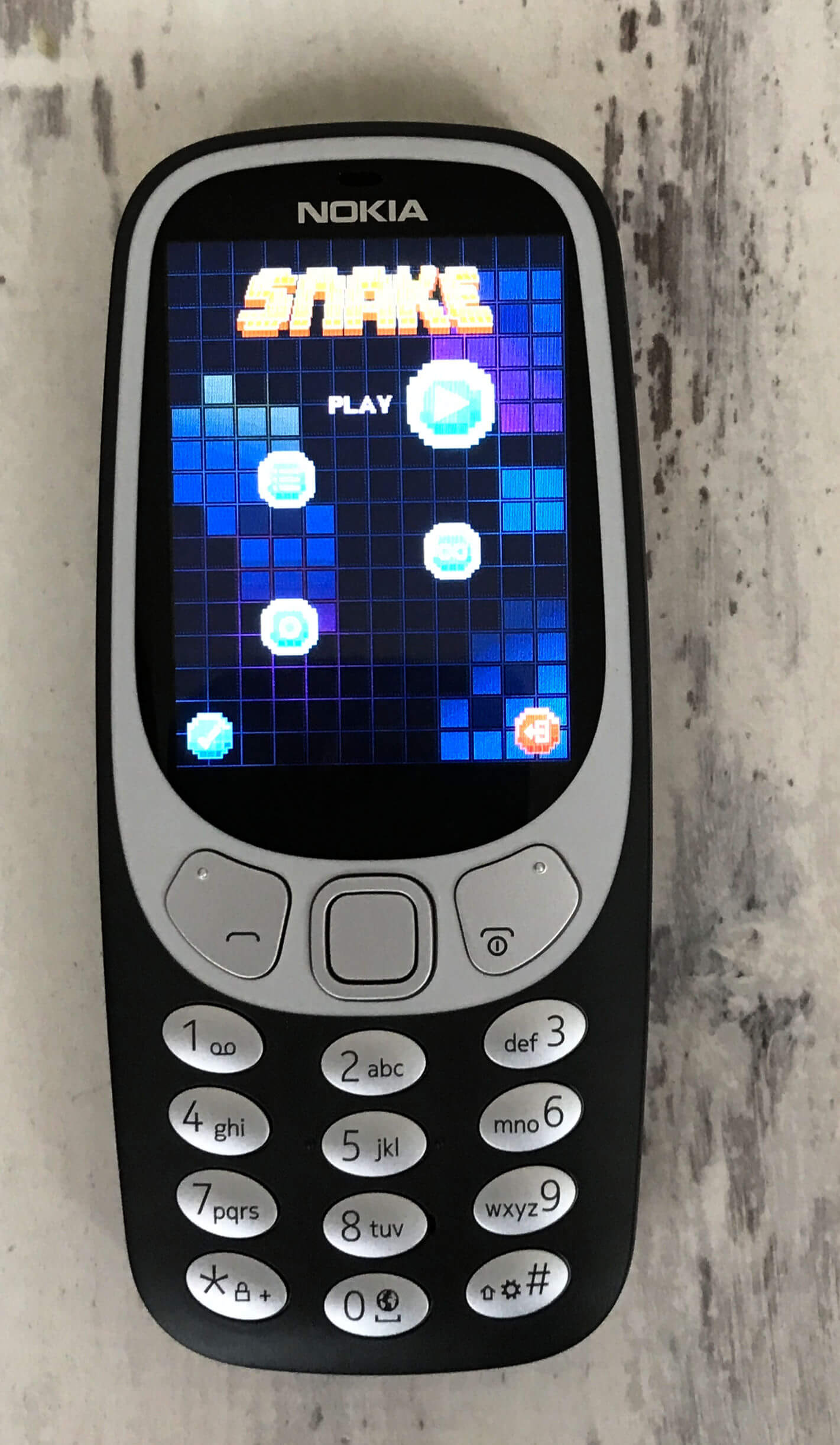 family mobile - Nokia 3310 3G Snake Game screen